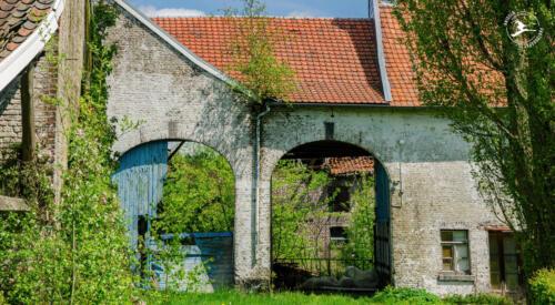 N8 Ruine van een oude boerderij in Zuid-Limburg